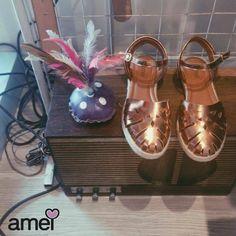 Musica para seus pés dançarem ❤ #etiquetaamei #lojaamei #sandalia #bronze #rose #pes #metalizado