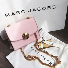 Baby pink Marc Jacobs bag. #pink #marcjacobs