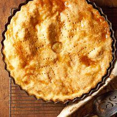 Maple Apple & Cheddar Pie #halloween #apples #fall #desserts