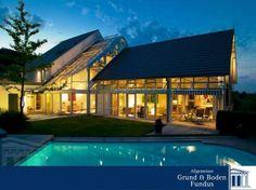 Fulminantes Luxusanwesen in Egg - Im Herzen des Züricher Oberland  Dieses einmalige Luxus-Anwesen liegt auf einem ca. 966 m² großen, uneinsebaren Sonnengrundstück mit traumhafter Aussicht auf das angrenzende Naturschutzgebiet, die Schweizer Berge und das Zürcher Oberland. Im Jahre 2000 wurde diese von der Straße unscheinbar wirkende Villa mit absoluter Privatsphäre errichtet.  www.grund-boden-fundus.de/de_objektdetails.php?ID=F361460BD09A48AE9EF2AACF48E16C80