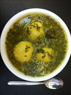 רותם ליברזון ביקרה במסעדה עם תבשילים עיראקיים. היא זכתה להכיר טעמים חדשים, להיזכר בריחות של פעם ולהציץ בסירים ענקיים מלאים בכופתאות ממולאות ובמרקים חמצמצים
