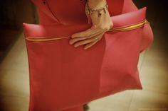 DIY tutorial - leather clutch bag
