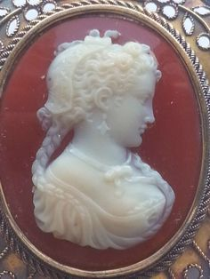 Beautiful Museum Quality Hardstone Cameo w/ Huge 14K Ornate Gold Brooch - 20.4g
