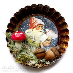 Pixie Hill: Day 13 - Gnome Tart Tin Ornaments Vintage Christmas Crafts, Retro Christmas Decorations, Christmas Ornament Crafts, Noel Christmas, Vintage Ornaments, Christmas Projects, Handmade Christmas, Holiday Crafts, Christmas Mantles