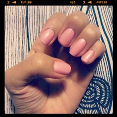 Nothing like a warm, natural tone to keep it simple yet pretty!