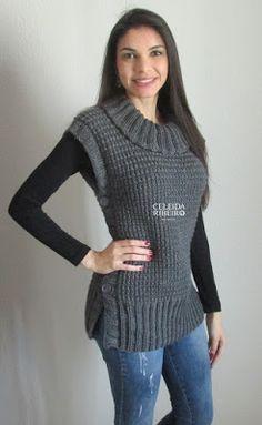 Colete feminino de tricot à mão com abotoamento nas laterais.  Usei 5 novelos de 165 m cada, agulha 5,5 mm e 6 mm para a gola.  Use o fio d...