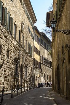 Florencia Via dei Bardi where my apartment was located across the street from Aqua el 2