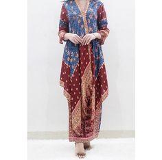 Kaftan Batik, Batik Kebaya, Kebaya Dress, Batik Dress, Muslim Fashion, Hijab Fashion, Fashion Dresses, Batik Blazer, Dress Shirts For Women