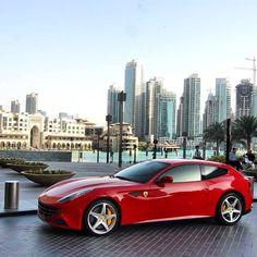 Sexy Ferrari FF!