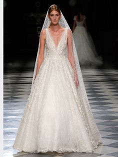 See the new YolanCris wedding dresses from the Spring 2018 collection. Dream Wedding Dresses, Wedding Gowns, Bridal Fashion Week, Spring Dresses, Rock, Dream Dress, Dress Collection, Bride Groom, Ball Gowns