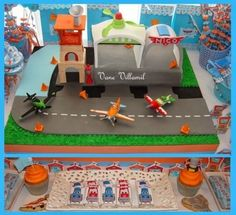 Disney Planes Boy's Birthday Party www.spaceshipsandlaserbeams.com
