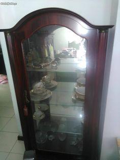 Cristaleira - à venda - Móveis & Decoração, Porto - CustoJusto.pt