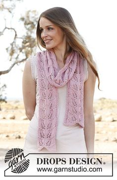 "Honey rose / DROPS 146-27 - Knitted DROPS scarf with lace pattern in ""Big Merino""."