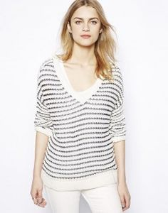 Comfort yet stylish sweater for casual outfits.