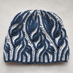Scheme beanie in the technique of Brioche. Beanie women's double-sided, two-color Brioche - Brioche Stitch Knitting Designs, Knitting Patterns Free, Knit Patterns, Knitting Projects, Knitting Tutorials, Knitting Stiches, Arm Knitting, Knit Or Crochet, Crochet Hats