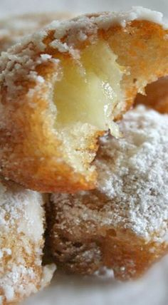 Beignets d'ananas- Pineapple Beignets, but I may substitute with cooked sweet plantains, firm tart apples, or even Asian pears would be great Bread And Pastries, Sweet Pastries, Köstliche Desserts, Delicious Desserts, Dessert Recipes, Yummy Food, Banana Recipes, Donut Recipes, Cooking Recipes