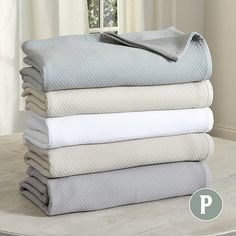 We designed our Diamond Matelasse Coverlet to be the perfect weight for layering with our favorite bedding collections. Luxury Duvet Covers, Luxury Bedding Sets, Modern Bedding, Coverlet Bedding, Linen Bedding, Bed Linens, Bedspreads, Comforters, Comforter Sets