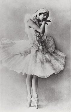 Anna Pavlova - c. 1905 - 'The Dying Swan' - Costume design by Leon Bakst