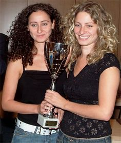 Chess sisters Anita and Ticia Gara