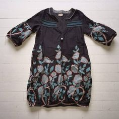 Kjole med mønster i turkis strl 10 år Merke: Aya Naya dansk design Frakt avtales nærmere