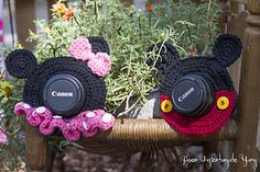 Ravelry: Minnie & Mickey Mouse Shutter Buddies pattern by Carlee Fisher