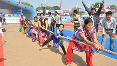 W indyjskim mieście Gujarat zebrało się 4672 amatorów przeciągania liny, by wspólnie ustanowić rekord Guinnessa i wpisać się na kartach historii. #BiuroRekordów #rekordGuinnessa