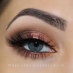 Makeup Geek Vegas Lights Palette + @makeupbyjesshelfrich = a match made in heaven. ☁️✨ Such a lovely look!  She used: ✖️ Desert Sands (in the crease) ✖️ Bada Bing (in the outer v) ✖️ Roulette (on the lid) ✖️ Sin City (on the inner thirds) ✖️ Mirage (on the brow bone & inner corner)  #makeupgeekcosmetics #teamMUG #makeupgeek