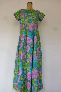 72ac0b6435ee Hawaiian Dress Vintage Floral Muu Muu Dress Hawaiian Wedding Dress  Waterfall Train Made in Hawaii Size 1970s Size M
