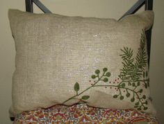 Cheap and easy Christmas pillows from table mats