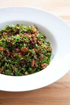 quinoa tabbouleh [5 ingredients, 10 minutes] & the minimalist guide to cooking with herbs