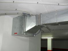 Ventilador instalado en parquin.