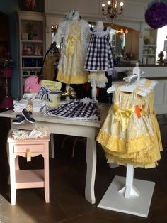Oopsie Daisy Boutique - Early Spring table display 2013