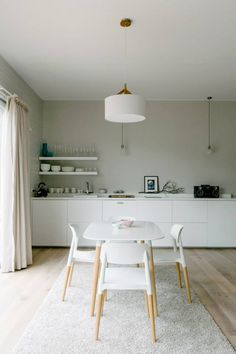 Great cool minimalist vibe at this Mornington Peninsula accommodation, ideal for girls' getaways! | alluxia