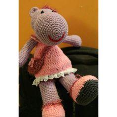 Y knitting doll