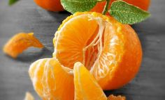 Best Fruits to Eat on Empty Stomach : Best Fruits to Eat on Empty Stomach, Best Fruits To Eat, Quince Fruit, Fruits Basket Manga, Pyrus, Pumpkin Seed Oil, Fruit Photography, Portrait Photography, Olive Fruit, Juicing For Health