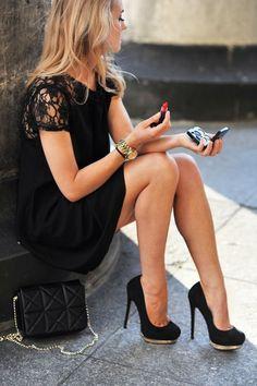 #fall #fashion / black lace dress + gold