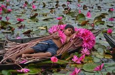 Beautiful Bangladesh: A boy sleeping on a boat full of water lilies We Are The World, People Around The World, Around The Worlds, Children Photography, Travel Photography, Cool Photos, Beautiful Pictures, Flora, Amazing India