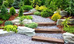 Las ventajas de diseñar un jardín con piedras es que éstas se pueden acomodar fácilmente y adaptar a los diferentes espacios, además ofrecen una atmósfera fresca.
