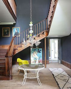 Foyer Decorating Ideas That Reflect Beauty And Sophistication Decor, Interior Trend, Interior Stairs, Interior, Home, House Styles, House In The Woods, Beautiful Living Rooms, British Home