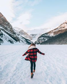 The Travel Bug Bit Me. Solid Ways To Travel And Have Great Fun. The article below focuses on some great tips that you can incorporate into Banff National Park, National Parks, Lake Senior Pictures, Fairmont Chateau Lake Louise, Parks Canada, Ways To Travel, Snow Days, Plan Your Trip, Trip Planning