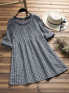 Vintage Plaid Print Loose Half Sleeve O-neck Blouses For Women Cheap - NewChic Frock Fashion, Fashion Dresses, Mode Hijab, Short Tops, Half Sleeves, Casual Tops, Chic Outfits, Latest Fashion Trends, Blouses For Women