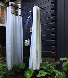 Outdoor Shower Design With Curtain Ideas