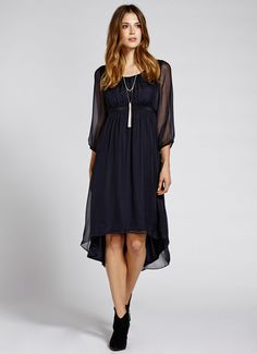 bought this for today from Mint Velvet in House of Fraser. it's so soft and I'm in love with it! Latest Fashion For Women, Womens Fashion, Mothers Dresses, New Dress, Cold Shoulder Dress, Feminine, Silk, Navy, Clothes For Women