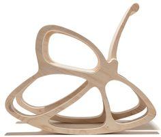 Moderne ed essenziali. Dal design innovativo o ispirate al passato, le SEDIE A DONDOLO sono un complemento d'arredo dal fascino..intramontabile!!! #sedieadondolo #complementodarredo #cameretta Punkalive, Kiikku: sedia a dondolo per bambini in legno