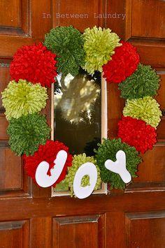 Chunky Pom-Pom Wreath and a Pom-Pom Tutorial....adorable!!