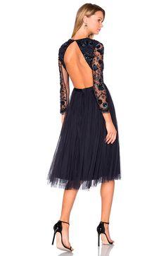 Vestidos de fiesta http://stylelovely.com/revolveclothing/2016/11/11/revolve-clothing-vestidos-de-fiesta/