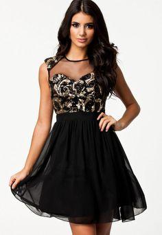 http://allegro.pl/zwiewna-rozkloszowana-sukienka-cekiny-wesele-l-40-i5335779260.html