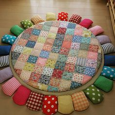 Cute Quilts, Baby Quilts, Tie Crafts, Diy And Crafts, Bubble Quilt, Cushion Cover Designs, Crochet Flower Tutorial, Baby Sewing Projects, Baby Comforter
