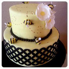 Bumble bee baby shower cake... double wedding onlay (marvelous molds)