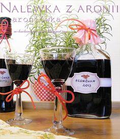 nalewka z aronii (aroniówka) Alcoholic Drinks, Cocktails, Irish Cream, Wine And Spirits, Wines, Red Wine, Mead, Glass, Cooking